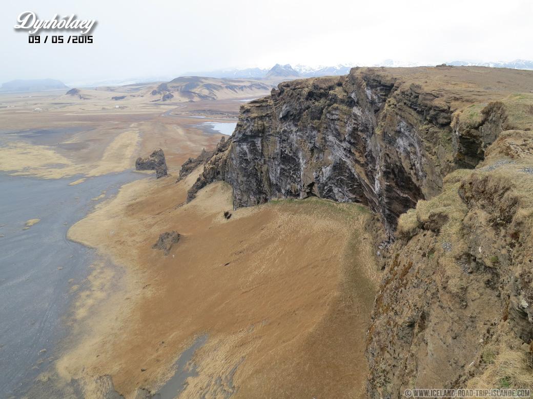 Les falaises de Dyrholaey