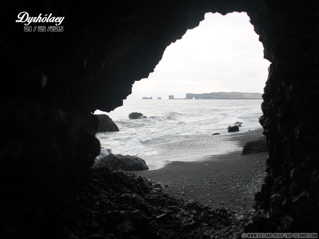 Mise en perspective de l'arche de Dyrholaey
