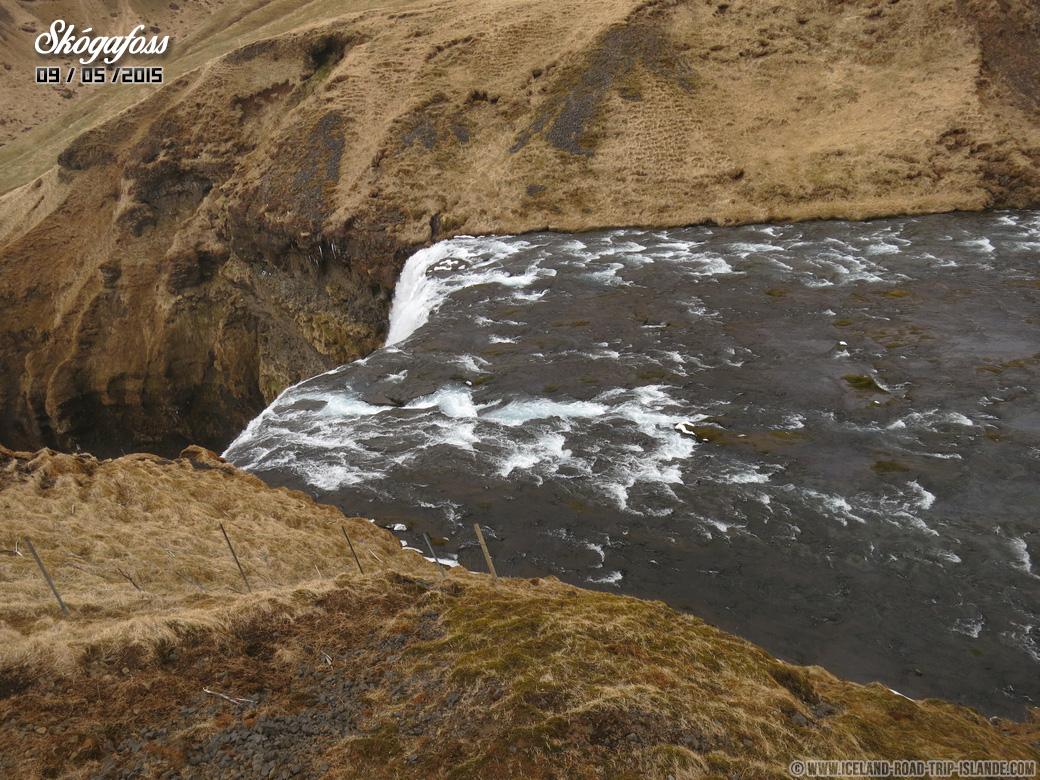 Le haut des chutes de Skogafoss