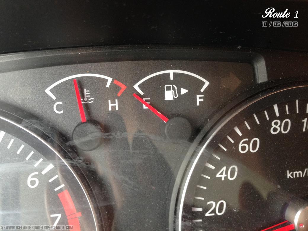 En panne d'essence en pleine cambrousse islandaise !