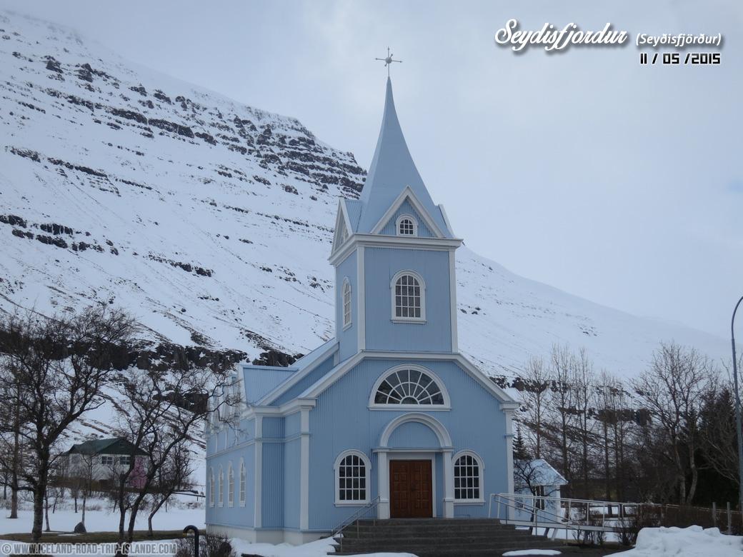 L'église bleue de Seyðisfjörður