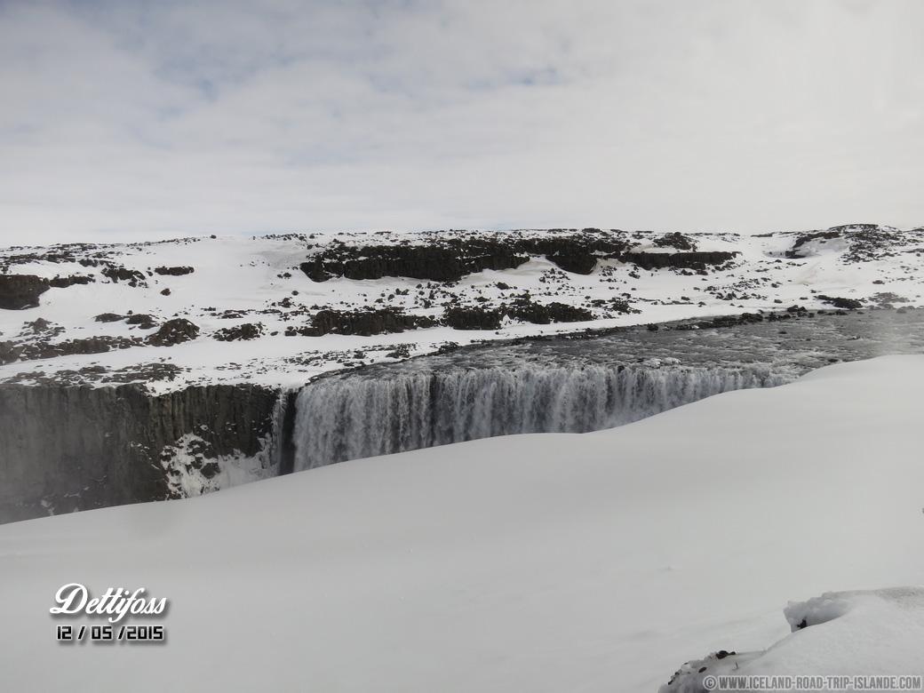 La chute d'eau de Dettifoss