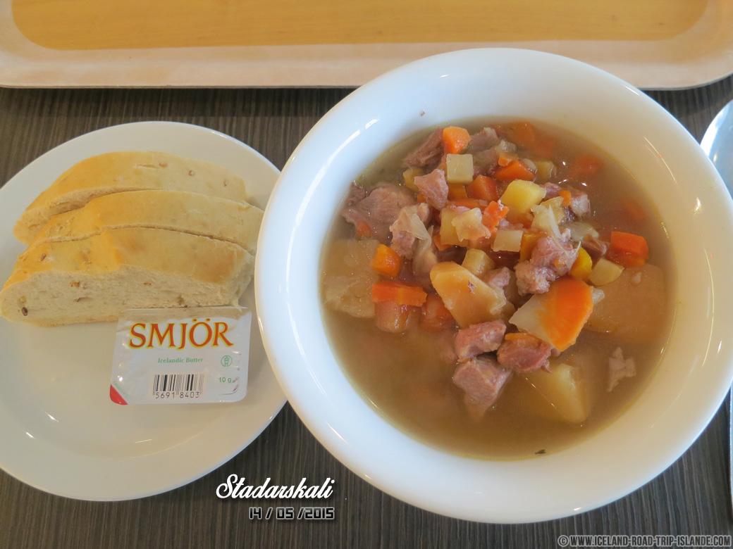 La fameuse soupe à la viande de Stadarskali